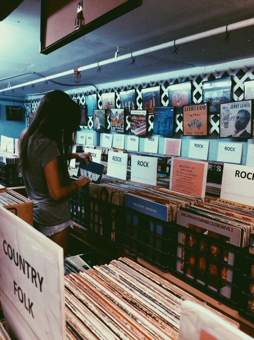 Lp Vinyl have been making a major comeback | The Good Rogue