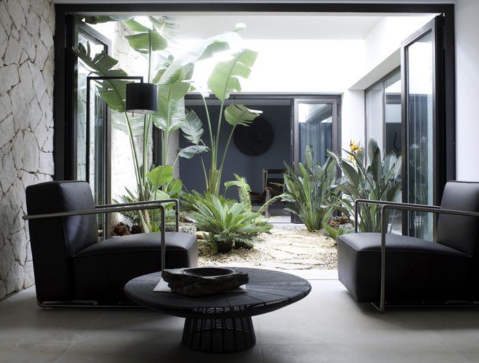 45dcce0ab09e5c02e16ffca34360e9d9--small-gardens-interior-architecture