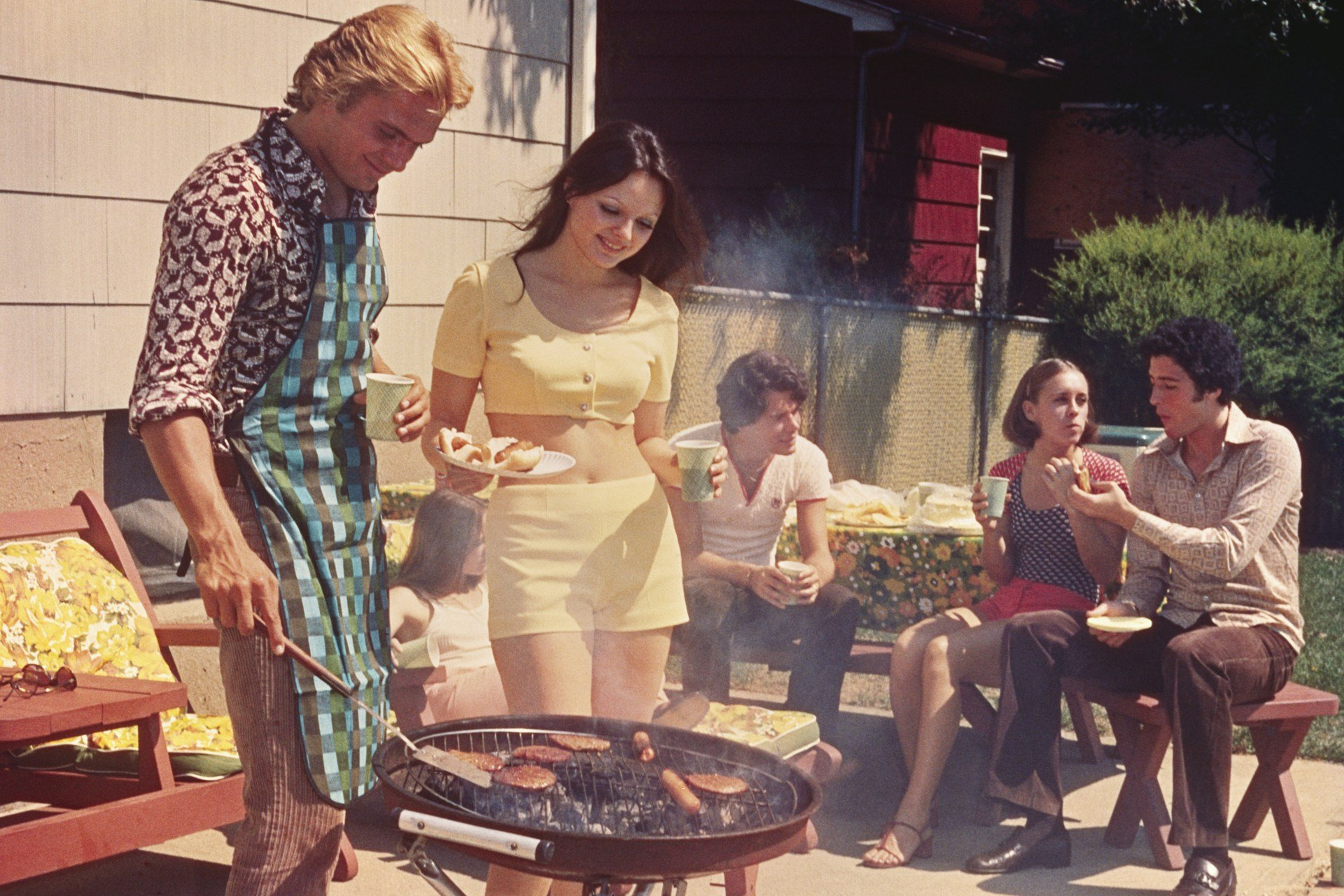 70s-retro-barbecue-pic-conde-nast-traveller-6june14-alamy