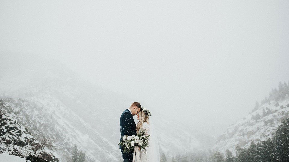 winter-wedding-tips-feat